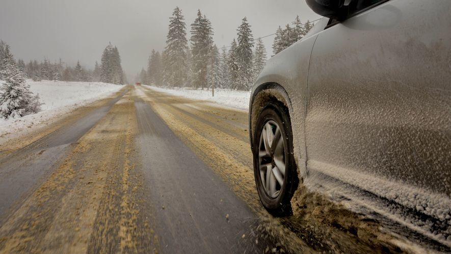 スタッドレスタイヤ,スタッドレスタイヤの寿命を見極め,タイヤ